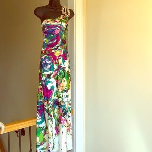 NIGHT MOVES sz 4 gown formal prom Cruise dress
